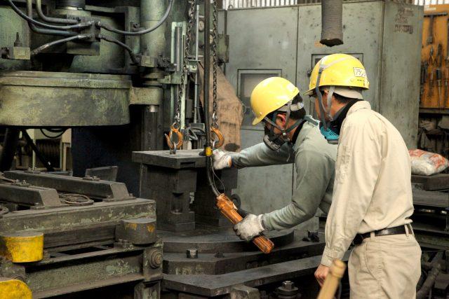 耐火煉瓦の三石ハイセラム定型レンガ工場写真6