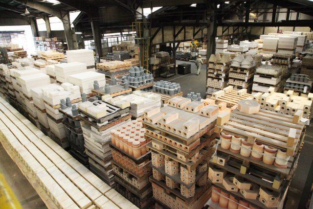 耐火煉瓦の三石ハイセラム定型レンガ工場写真1