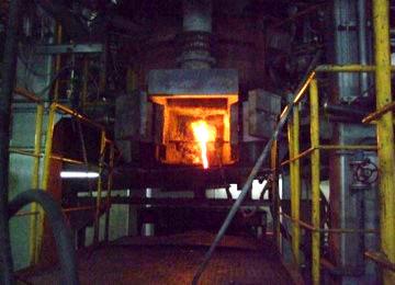 溶融炉スラグ排出口