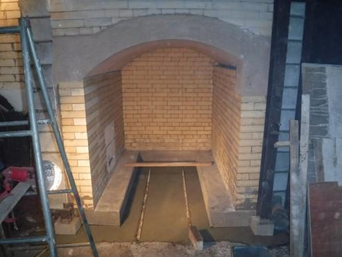 事例2 炭焼成炉 煉瓦施工後